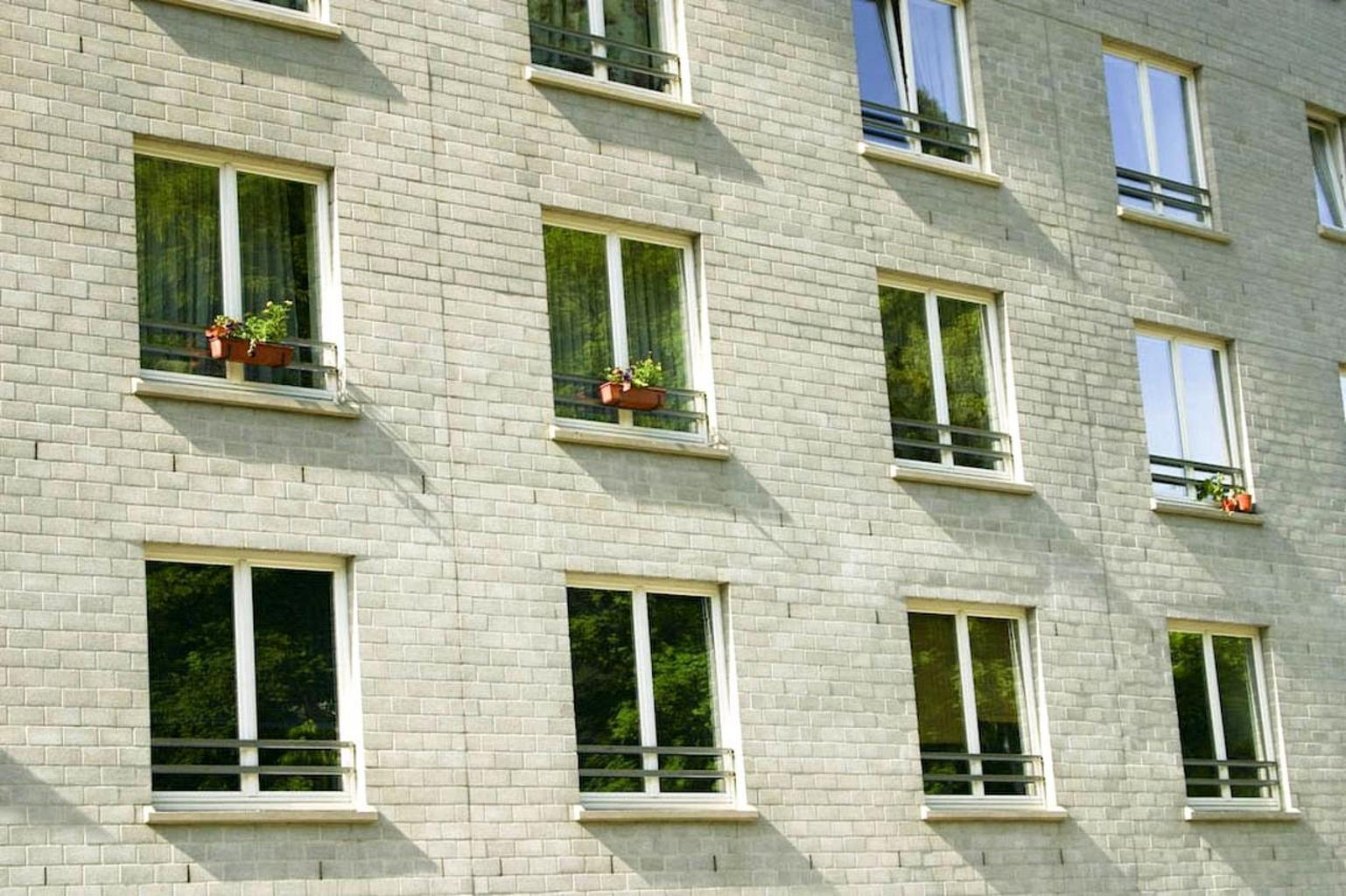 bytovka, okná