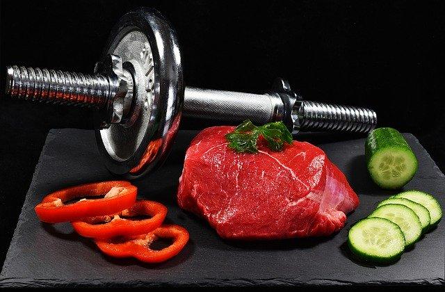 Činka, surové mäso a zelenina.jpg