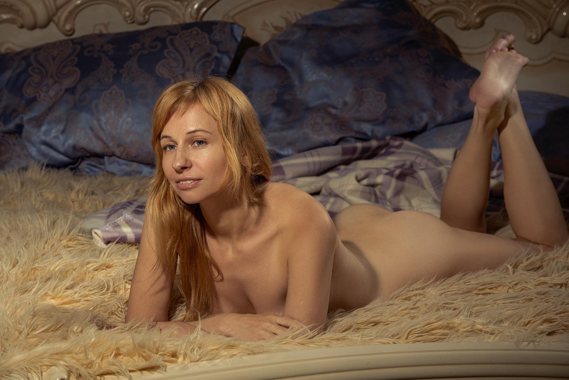 nude-4698467_1920